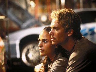 The Fast and the Furious: Paul Walker e Jordana Brewster in una scena
