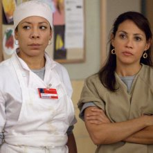Orange is the New Black: una foto di Selenis Leyva ed Elizabeth Rodriguez
