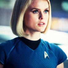 Star Trek Into Darkness: Alice Eve in una scena