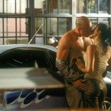 The Fast and the Furious: Vin Diesel e Michelle Rodriguez in un momento intimo del film