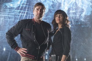 Roadies: Luke Wilson e Carla Gugino nel primo episodio della serie