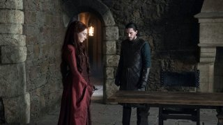 Il Trono di Spade: Carice Van Houten e Kit Harington in un'immagine dell'episodio The Winds of Winter
