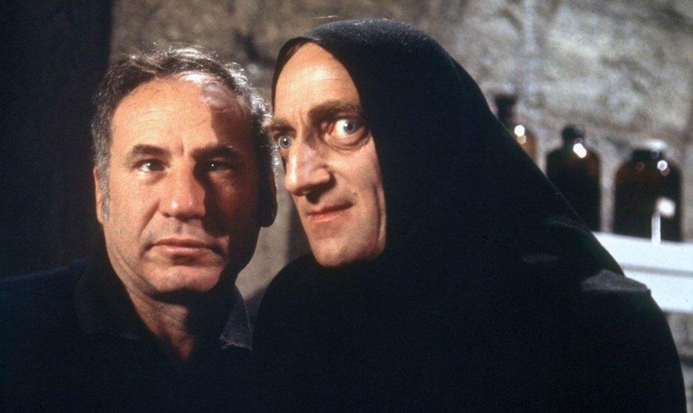 Mel Brooks con Marty Feldman sul set di Frankenstein jr.