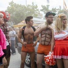Cattivi vicini 2: Zac Efron e Seth Rogen in una scena del film