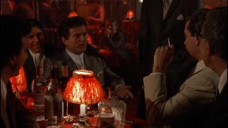 Quei bravi ragazzi: Joe Pesci e Ray Liotta in una scena del film