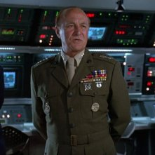 Independence Day: Robert Loggia in una scena del film