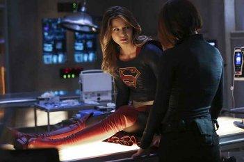 Supergirl: una foto della protagonista Melissa Benoist in L'Ultimo Sacrificio