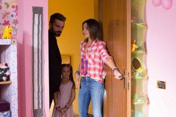 Al posto tuo: Luca Argentero e Ambra Angiolini in una scena del film