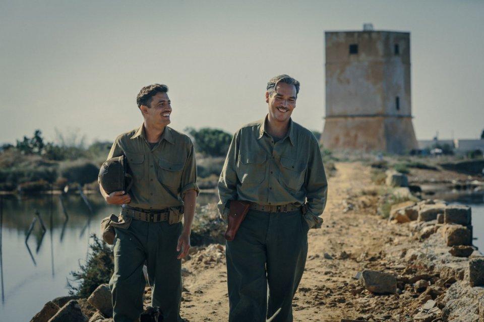 In guerra per amore: Pierfrancesco Diliberto e Andrea Di Stefano in una scena del film
