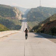 Fear the Walking Dead: Frank Dillane in una foto della seconda stagione
