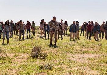 Fear the Walking Dead: un gruppo di walkers