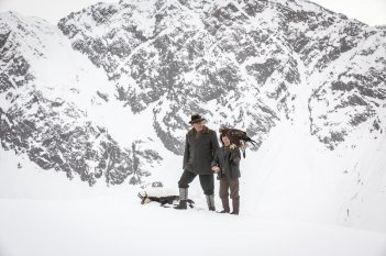 Abel - Il figlio del vento: Manuel Camacho e Jean Reno in una scena del film