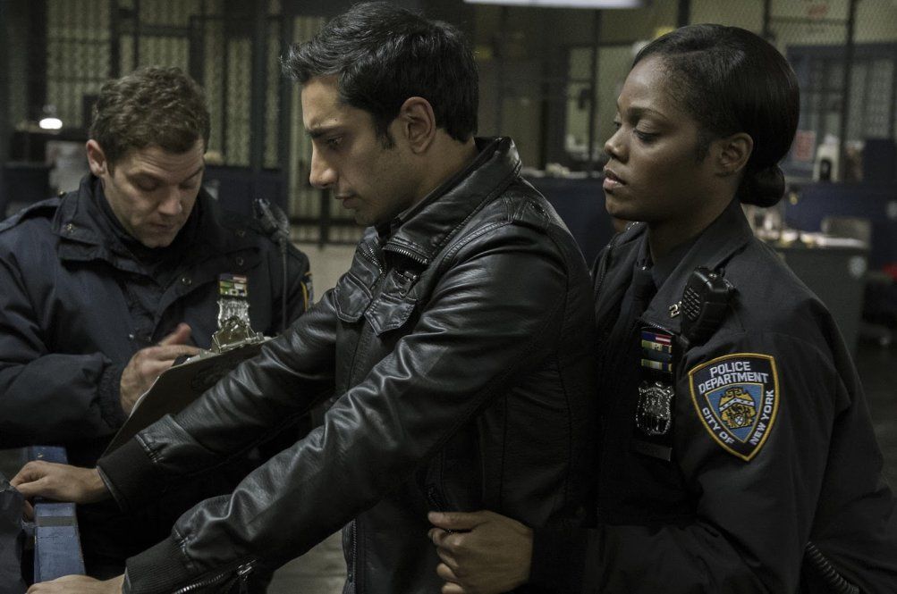 TheNight Of: Riz Ahmed in una scena del primo episodio