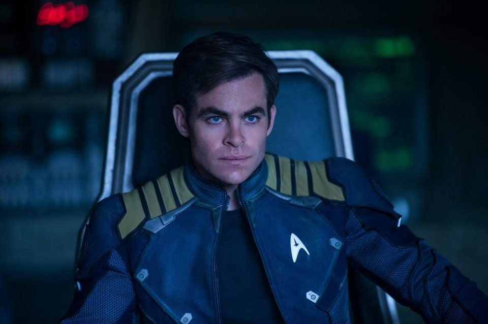 Star Trek Beyond: Chris Pine in una scena del film