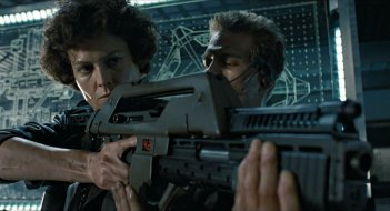 Aliens: Sigourney Weaver e Michael Biehn