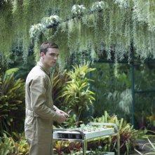 Equals: Nicholas Hoult in una scena del film
