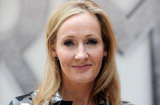 Un'immagine che ritrae J.K. Rowling