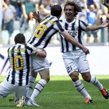 Bianconeri - Juventus Story: Alessandro Del Piero, Stephan Lichtsteiner e Andrea Pirlo festeggiano dopo un goal