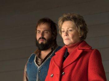 Fargo: Jean Smart in una scena della seconda stagione serie