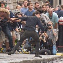 The Mummy: Tom Cruise e Annabelle Wallis in fuga sul set