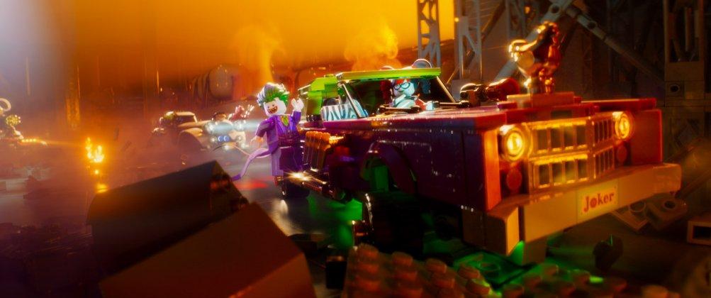 Lego Batman - Il film: un'immagine del Joker in azione