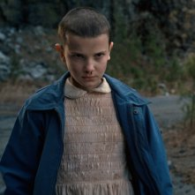 Stranger Things: Millie Bobby Brown in una scena della prima stagione