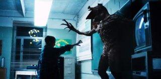 Stranger Things: Millie Bobby Brown combatte con il mostro nel finale della prima stagione