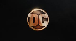 Wonder Woman: il nuovo logo DC dal primo trailer del film