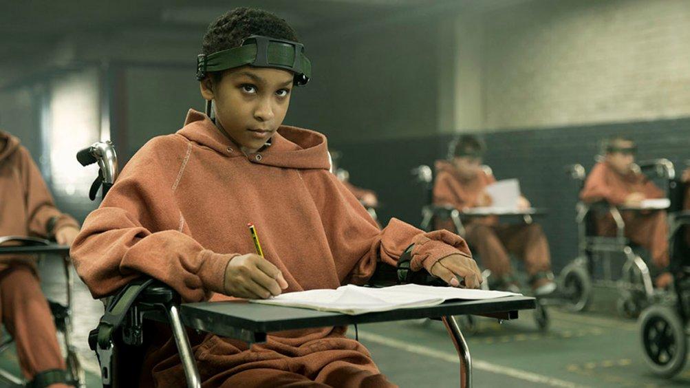 The Girl with All the Gifts: Sennia Nanua in una scena del film