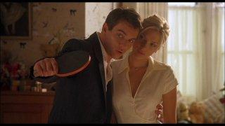 Match Point: Jonathan Rhys Meyers e Scarlett Johansson in un momento del film