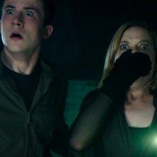 Man in the Dark: Jane Levy e Dylan Minnette in un momento del film