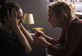 Heaven Will Wait: Noemie Merlant e Sandrine Bonnaire in una scena del film