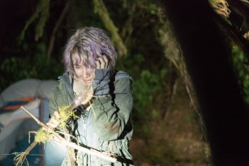 Blair Witch: Valorie Curry in una scena del film