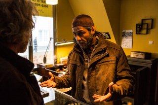Caffè: Hichem Yacoubi in una scena del film