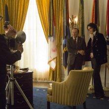 Elvis & Nixon: Kevin Spacey e Michael Shannon in una scena del film