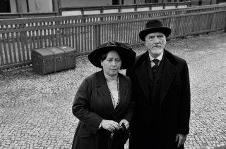 Frantz: Marie Gruber ed Ernst Stötzner in una scena del film