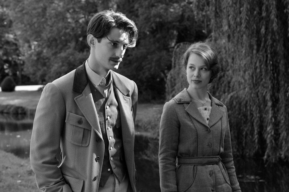 Frantz: Pierre Niney e Paula Beer in un momento del film