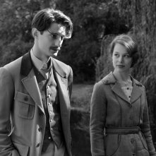 Frantz: Pierre Niney e Paula Beer in un momento del film