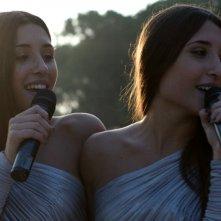 Indivisibili: Marianna Fontana e Angela Fontana in un momento del film