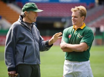 Invictus: Matt Damon e Clint Eastwood sul set del film