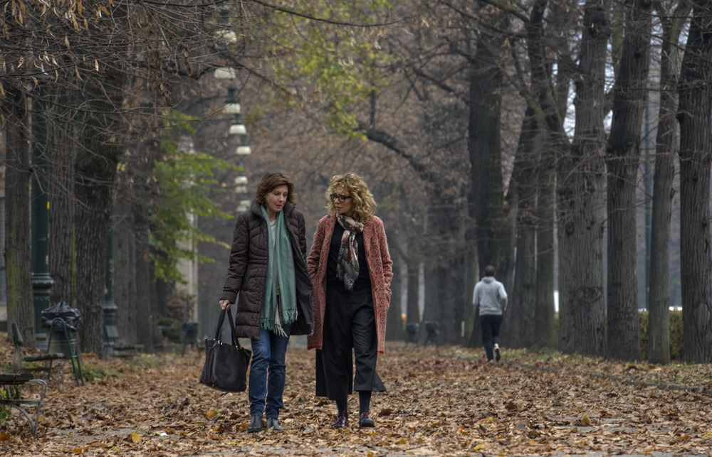 La vita possibile: Margherita Buy e Valeria Golino in una scena del film