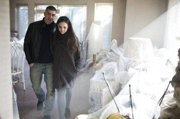 La ragazza del mondo: Sara Serraiocco e Michele Riondino in una scena del film
