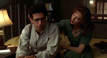 Barton Fink - È successo a Hollywood: John Turturro e Judy Davis in una scena del film