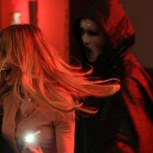 Scream: il killer in azione nell'episodio Chiamata da uno sconosciuto
