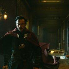 Doctor Strange: un'immagine del protagonista Benedict Cumberbatch
