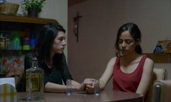 The Untamed: Simone Bucio e Ruth Ramos in una scena del film