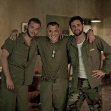 Bordering: Tom Sizemore, Oz Zehavi e Bernard Curry in un'immagine promozionale del film