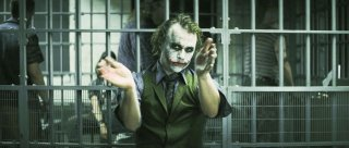 Il cavaliere oscuro: Heath Ledger in un momento del film di Nolan
