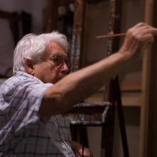 El vendedor de orquedas: Oswaldo Vigas in un momento del documentario