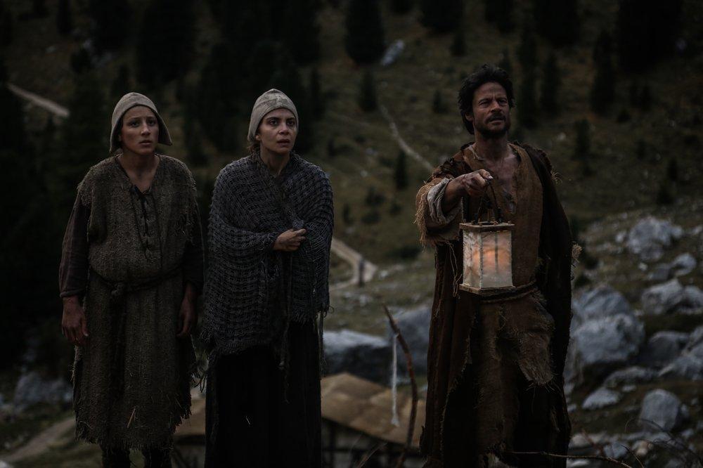 Monte: Claudia Potenza e Andrea Sartoretti in una scena del film